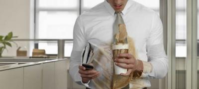 Prolivena kafa na beloj košulji mi je dokazala samo jedno – Оdavno sam zaboravio da uživam